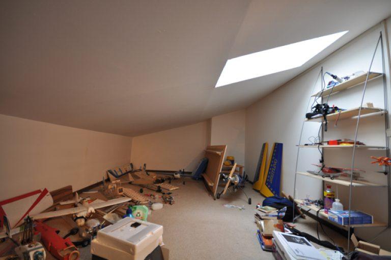 Atelierwohnung mit Dachterrasse und Garage, Nähe Altwarmbüchener See