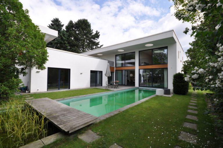 Bauhaus mit Pool