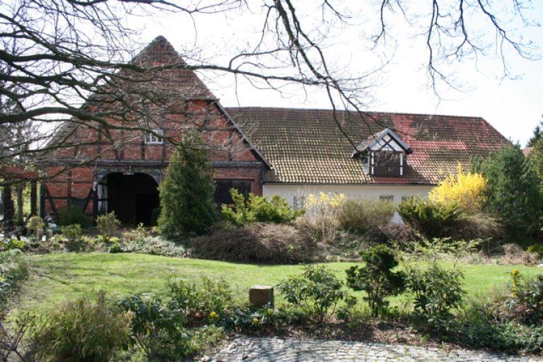 Historischer Resthof mit Pferdeboxen und 600m² Ausbaureserven