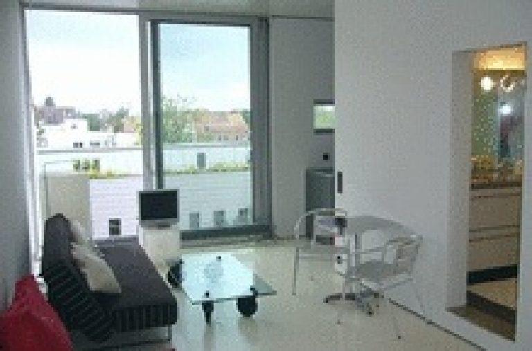 Luxus-Appartement Bulthaup-Küche und Wasserbett im Pelikanviertel